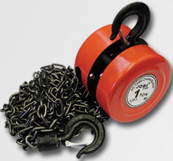 Řetězový kladkostroj 1 tuna 2,5m